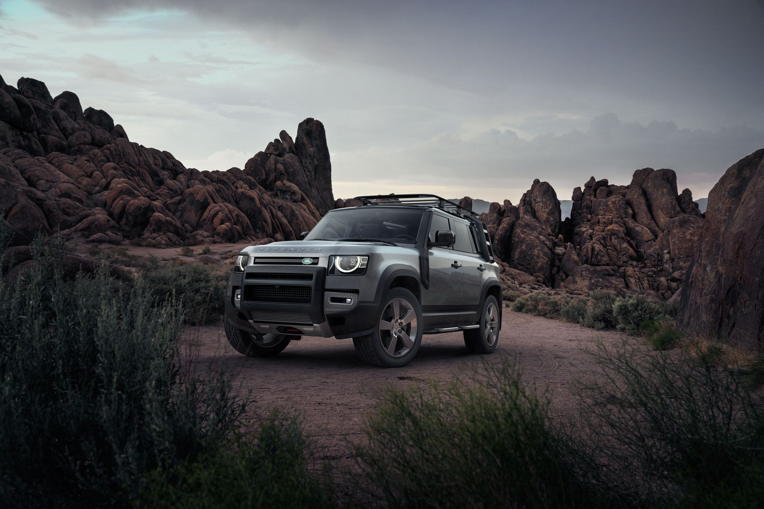 Automotive-2020-Defender-Campsite-01